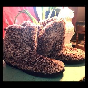 Sonoma slippers NWT
